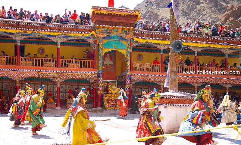 leh-ladakh-tour-package-5