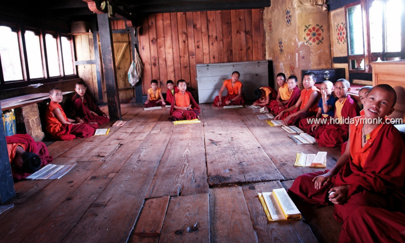 Buddhist-monks-reading-holy-texts-Bhutan