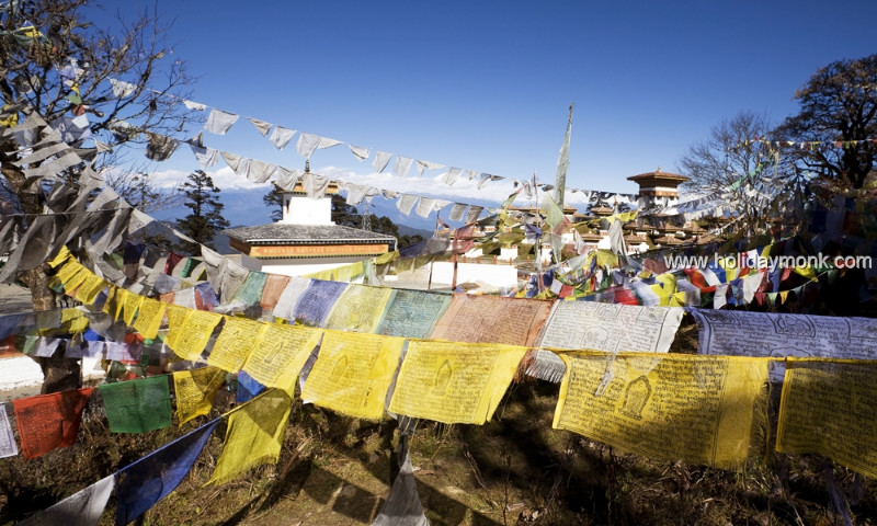 Colorful-Prayer-Flags-Bhutan1000